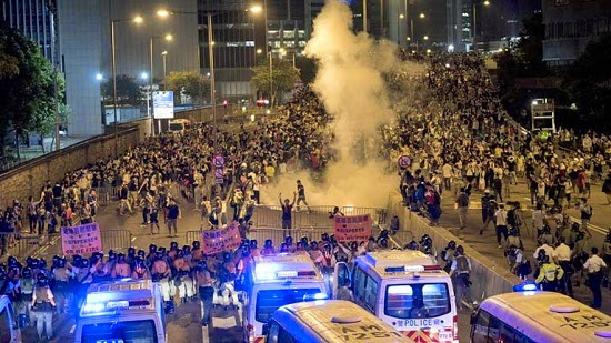 hong kong-riots11-guardas-chuvas-18-10-14