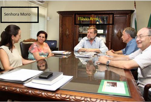 Vice Governador Arns (PSDB) com a Sra. Moro em reunião