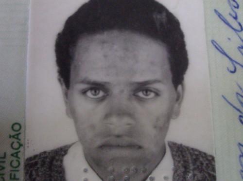 Elton Brum da Silva foi assassinado pelas costas, com um tiro de fuzil, por um policial militar, durante a execução judicial de um mandado de reintegração de posse, no dia 21 de agosto de 2009, em São Gabriel.