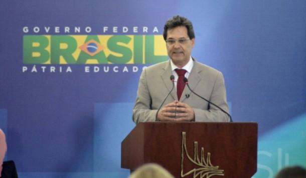 Para Marcelo Neves, STF está muito parcial e ministros estão se manifestando sobre algo que eles podem ter que vir a julgar, o que fere todas as normas de imparcialidade. (Foto: Agência Brasil)