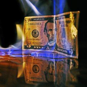 'Se BRICS renunciarem ao dólar isso pode levar a consequências geopolíticas catastróficas'