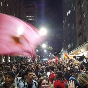 Milhares foram as ruas em Porto Alegre contra o golpe após cassação deDilma