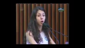 Ana Julia, a jovem estudante, dá uma aula ao Brasil(Vídeo)