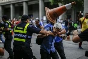 """De quem é a culpa das agressões a Caco Barcelos? Leia antes de """"jogar pedra naGeni"""""""