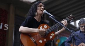 Marisa Monte canta em colégio ocupado contra a PEC 55 . Assista ovídeo