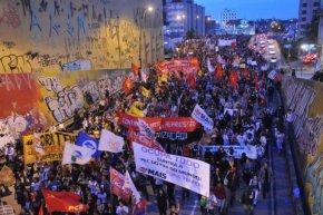30 mil Manifestantes em Porto Alegre protestam contra a PEC 55 e o governoTemer