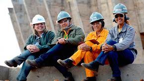 Mulheres trabalham cinco horas a mais e ganham 76% do salário doshomens