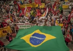 Sobre o Apoio do PT a André Figueiredo do PDT :É tempo de Construir a Frente Ampla em Defesa da Nação e daDemocracia
