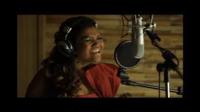 """Clipe: Gaby Amarantos canta """"Lula -Em nome daPaz"""""""