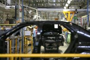 Golpe político destrói economia:PIB do Brasil cai 3,6% em 2016, dizIBGE