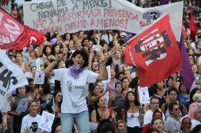 O Blog esteve nas manifestações do #DiaDaMulher com flashes ao vivo.Assista: