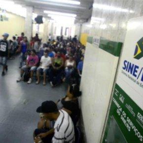 Efeito Temer e Sartori: Quase 200 mil estão desempregados na regiãoMetropolitana