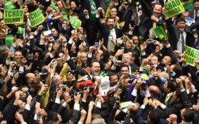 17/04/2016: Há exatamente 1 ano, o Congresso dos Corruptos jogou o Brasil numa crise que nãoacaba