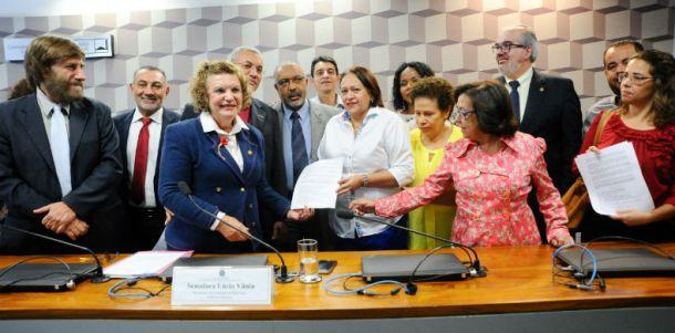 Forum-Nacional-de-Educacao-renuncia
