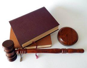 Juízes pedem auxílio-alimentação durante férias e conseguem R$ 7 milhõesretroativos