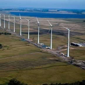 """Com a queda dos níveis nas hidrelétricas, só não temos apagão por que """"estocamos vento"""""""