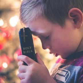 Pesquisa internacional mostrou que ensino religioso prejudica o aprendizado decrianças