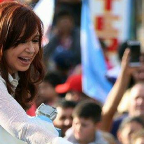 Cristina Kirchner é eleita senadora naArgentina