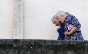 """Novas gerações viverão """"em maior pobreza"""" na velhice, enquanto uns poucos ricos comandarão,dizOCDE"""