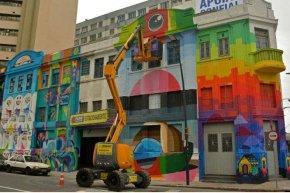 Intervenção urbana chama atenção no Centro de PortoAlegre