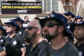 Sem receber salários de setembro, Polícia Civil entra em greve no Rio Grande doSul