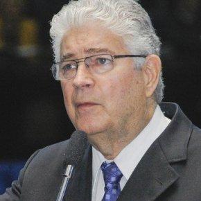 REQUIÃO: ANALFABETOS POLÍTICOS ESTÃO DESTRUINDO OBRASIL