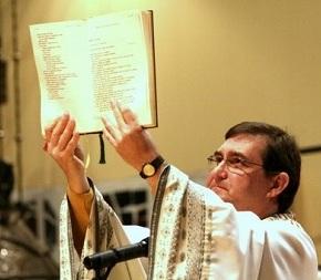 """Bispo recomenda """"levante popular pacífico"""" contra reforma daPrevidência"""