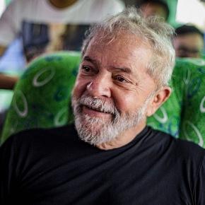 """Lula: """"Vamos propor um referendo revogatório durante acampanha"""""""