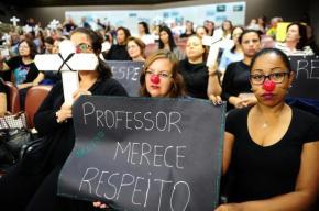 Caxias do Sul, terra do Sartori, quer reduzir salário de Professores pelametade