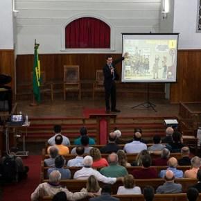 """Dallagnol é Procurador da República do Brasil ou pastor da """"república de curitiba""""?"""