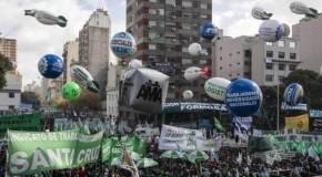 """Por que os argentinos foram às ruas gritando """"isso aqui não é oBrasil"""""""