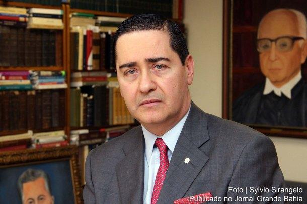 Carlos-Eduardo-Thompson-Flores