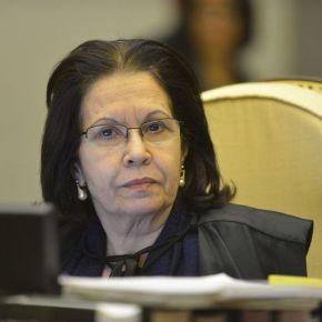 Ministra do STJ nega que mãe de 5 filhos, presa com 8 gramas de maconha, possa responder a processo emcasa