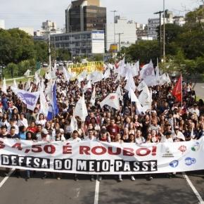 Milhares de Estudantes vão as ruas contra o Aumento das Passagens emPOA