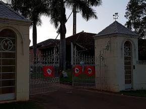 """MST ocupa fazenda de Oscar Maroni, o """"magnata dosexo"""""""