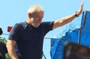 """""""Lula merece o Prêmio Nobel da Paz"""" (PérezEsquivel)"""
