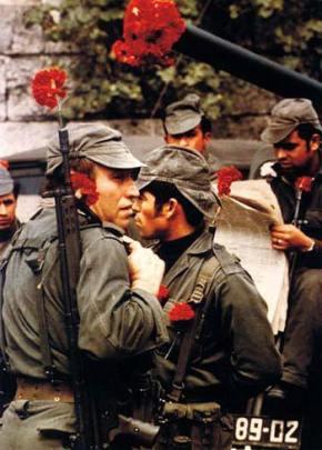 25 de abril: Há 44 anos a Revolução dos Cravos pôs fim a Ditadura em Portugal(vídeo)