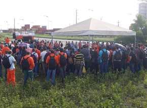 Petroleiros estão aprovando greve para barrar entrega daPetrobrás