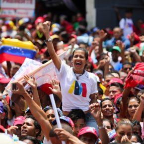 Povo da Venezuela comemora nas ruas a vitória deMaduro