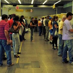 Bancos fecham 1,3 mil agências no Brasil, demitem e lucram R$ 77 bilhões em2017