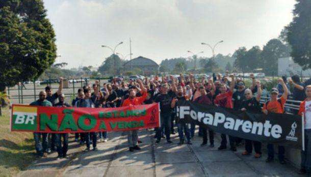 ProtestoContra_entregaPetrobras-1024x585