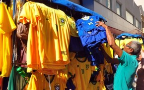 Associada ao golpe, 'amarelinha' da Seleção é 'esquecida' pelostorcedores
