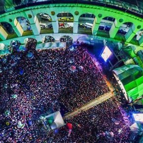 Festival Lula Livre: 80 mil cantam com Chico, Gil e mais de 40 artistas e bandas no RJ em defesa da Democracia e de Lula(Vídeo)