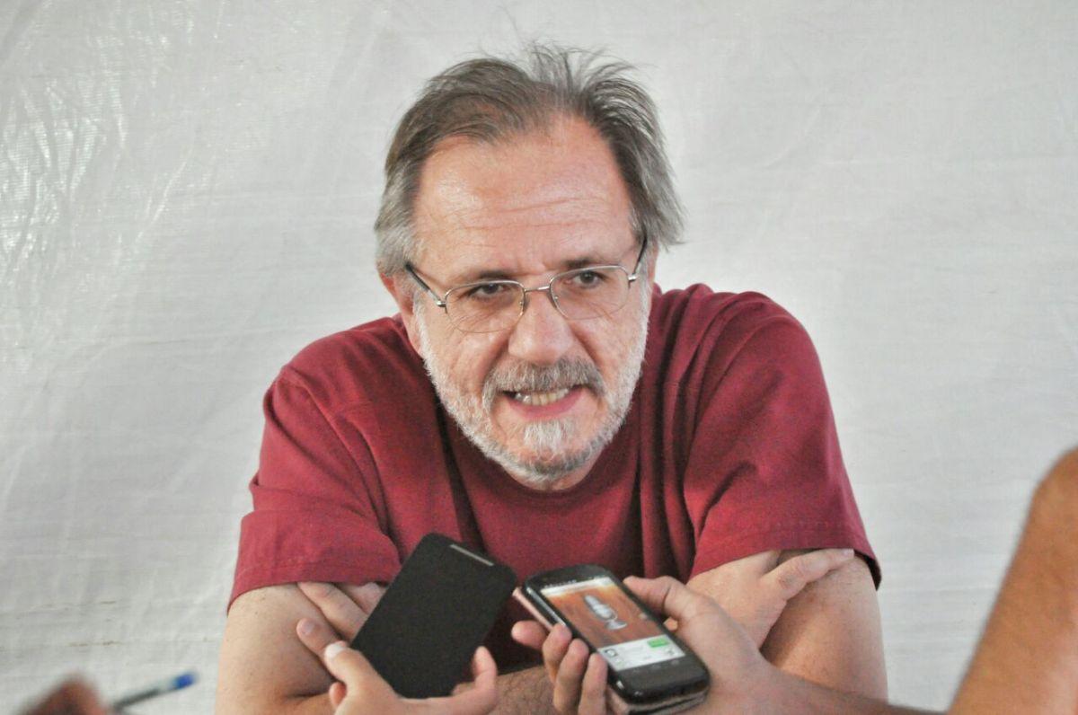 Há algo errado em um país que proíbe os alimentos orgânicos e libera o veneno (Miguel Rossetto)