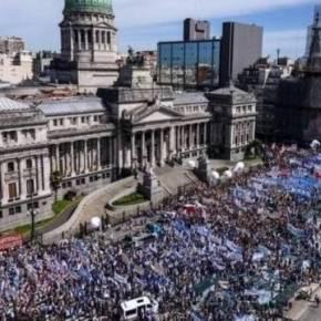 CGT argentina confirma  greve geral para 25 de setembro contra Macri e oFMI
