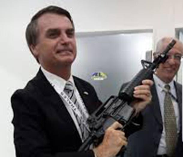 bolsonaro-armado
