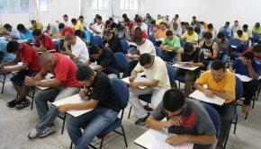 Fim dos concursos: Temer promulga decreto que libera geral terceirização no setorpúblico