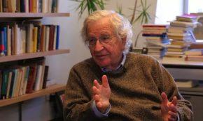 Noam Chomsky visita Lula na prisão nestaquinta-feira