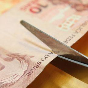 Além de cortar metade do Bolsa Família, Governo faz cortes violentos na saúde e da educação para2019