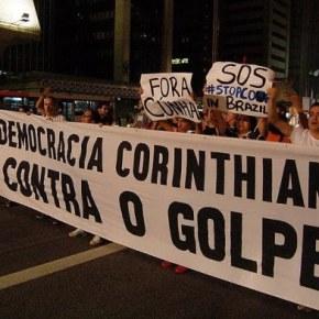Torcidas de futebol se unem por democracia no esporte e nopaís
